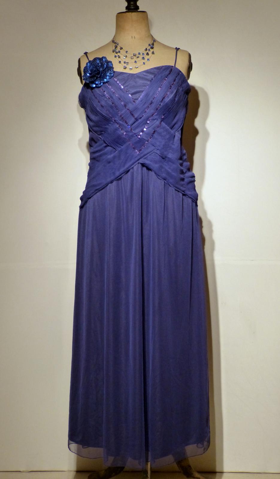 top robes blog robe de soiree grande taille location. Black Bedroom Furniture Sets. Home Design Ideas
