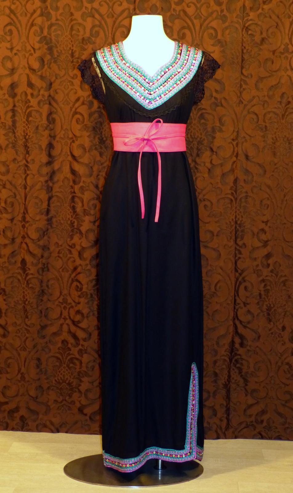 deb654eed06 Défilé de mode robes kabyles ...