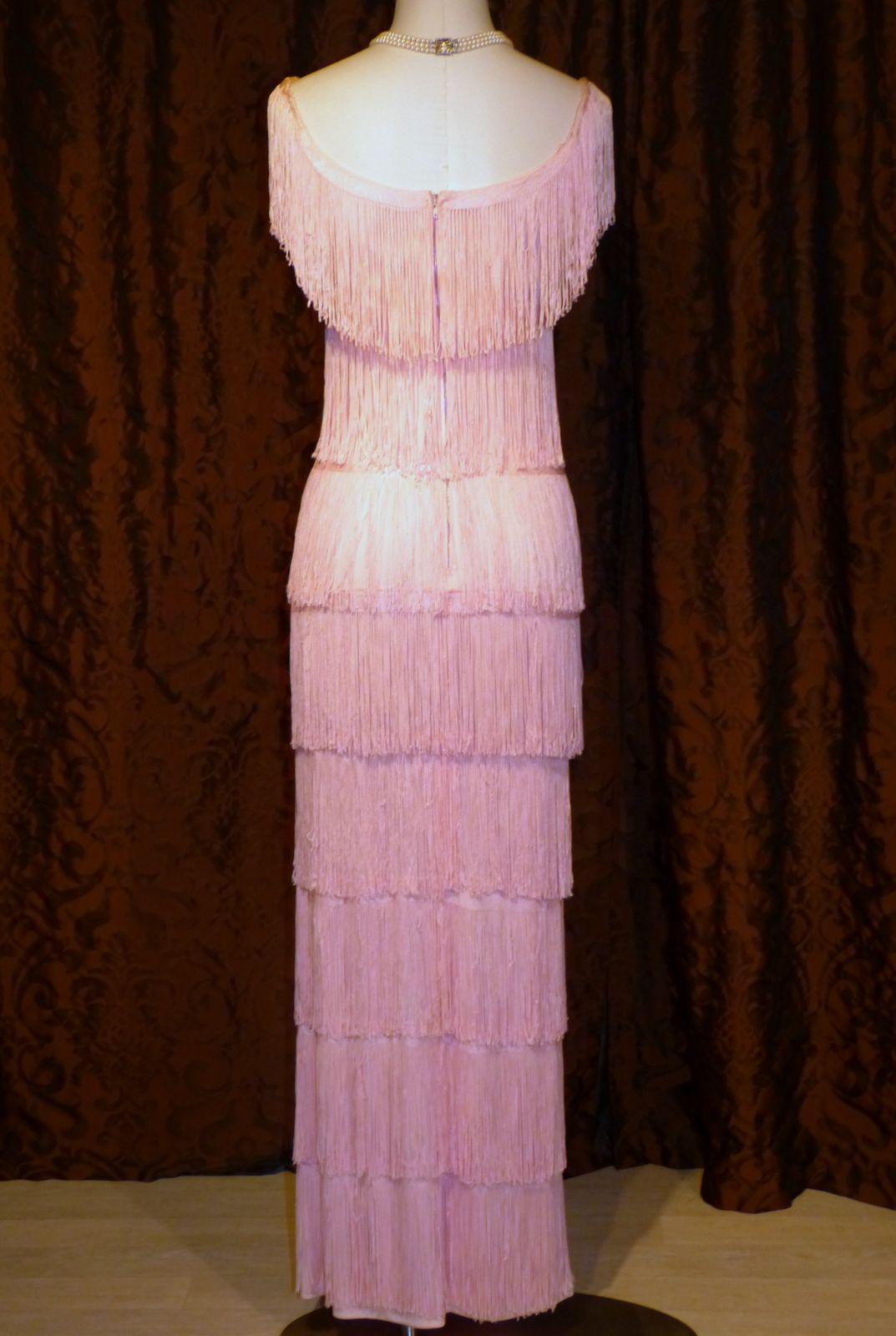 comment coudre des franges sur une robe. Black Bedroom Furniture Sets. Home Design Ideas