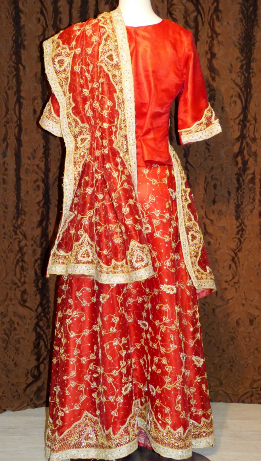 ... de sari de mariée RED BOLLYWOOD  Location-robe.com : location de